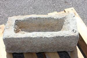 Vasca Giardino Pietra : Vecchia vasca pietra alta a lavandino fioriera granito