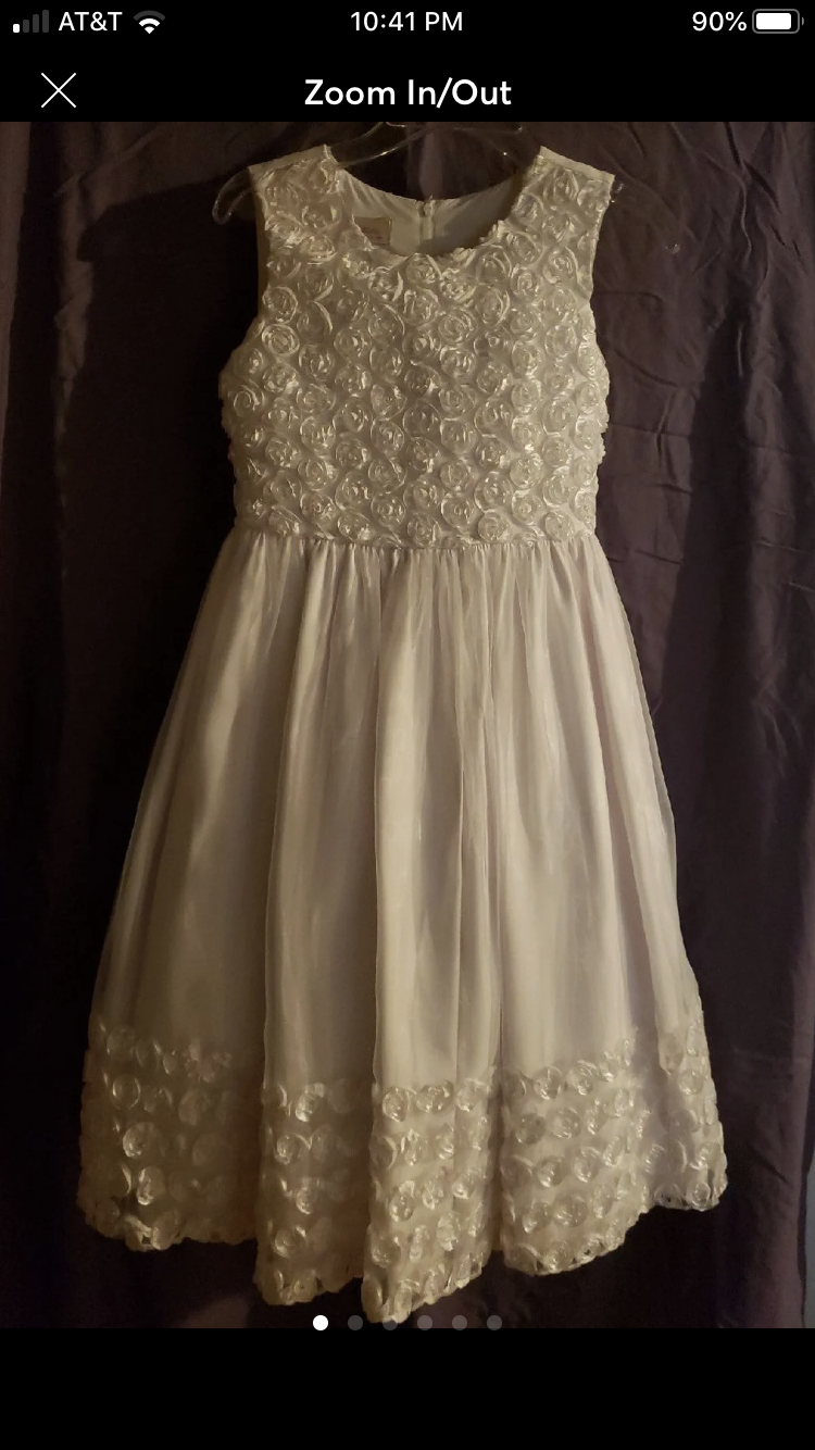 NWT CUTE DRESS WITH ROSETTES ON BODICE/SKIRT SIZE L-FREE S&H