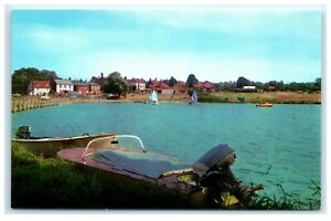 Vintage-Picture-Postcard-The-Boating-Lake-St-Osyth-Essex
