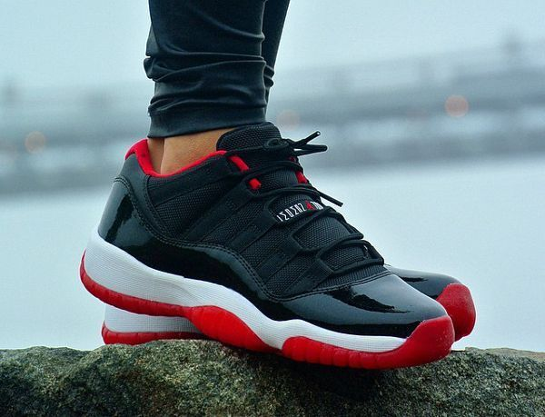 Nike Air Jordan 11 Retro XI Low Sz 9 Black True Red White Bred 528895 012  for sale online  5564f4e39ed3