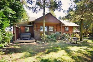 2-Nights-Autumn-Weekend-Break-in-a-Junior-Suite-Lodge-with-Hot-Tub