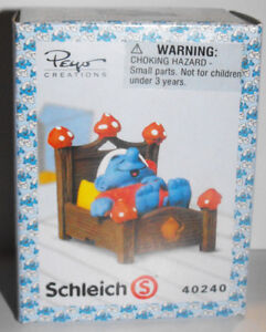 40240-Smurf-Laying-in-Bed-Plastic-Figurine-in-Box-Schleich-Super-Smurf