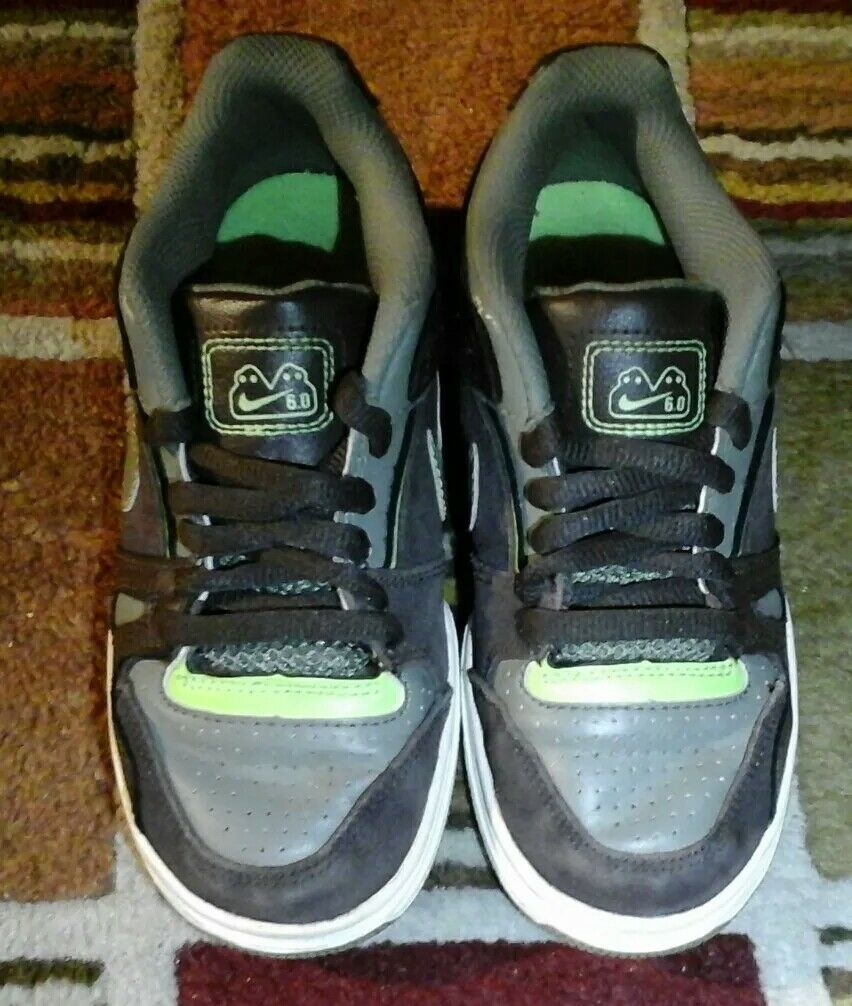 NIKE ZOOM 6.0 SIZE 1Y BROWN, GREEN, GREY LEATHER PRE OWNED