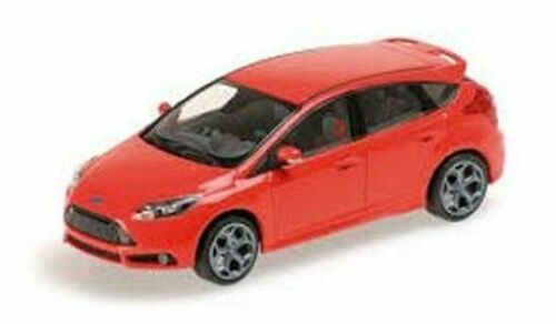 Minichamps 1:18 Ford Focus ST 2011 red