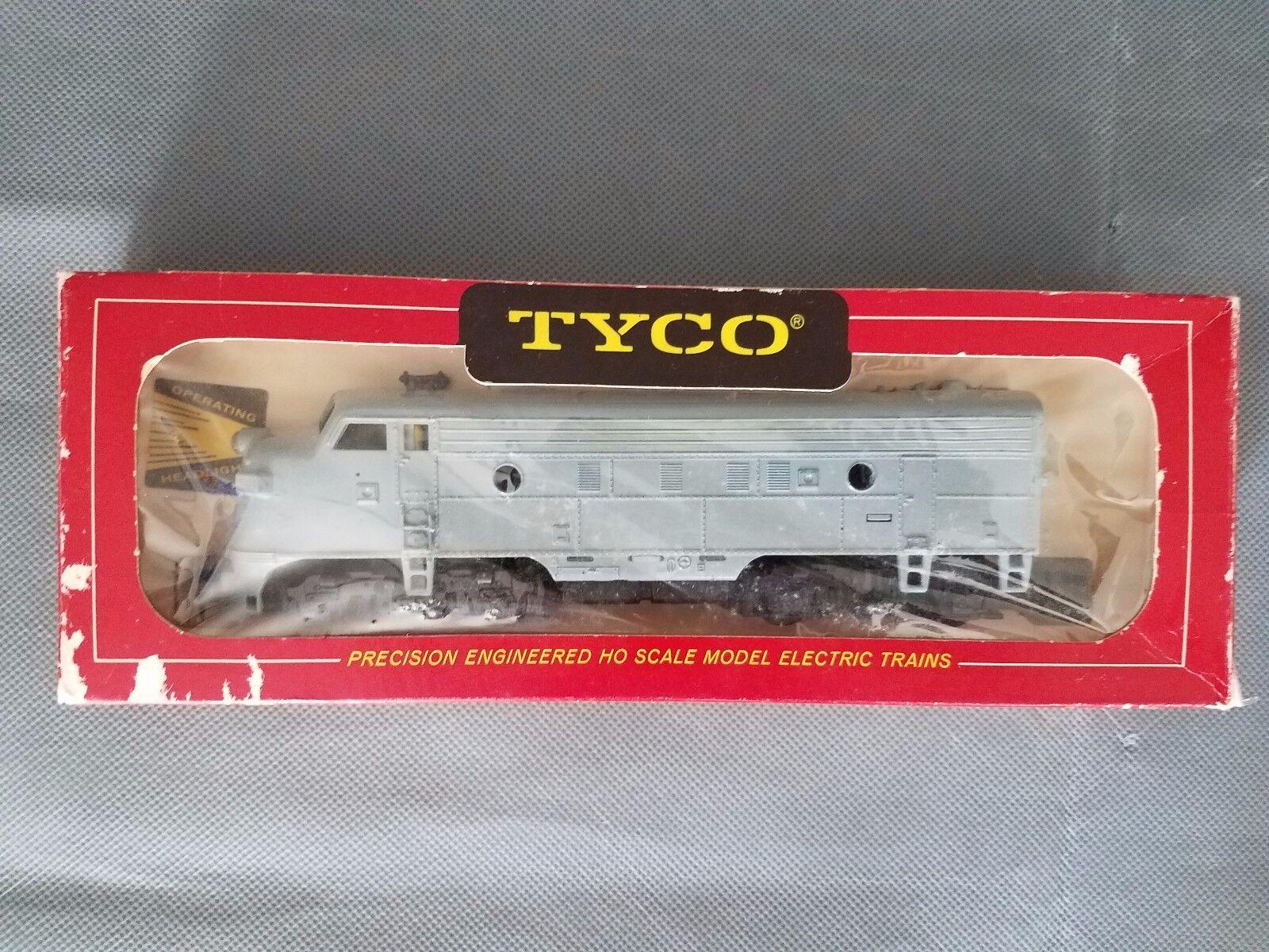 MANTUA TYCO HO  4015 SANTA FE Freight Diesel F9  A UNIT POWErot