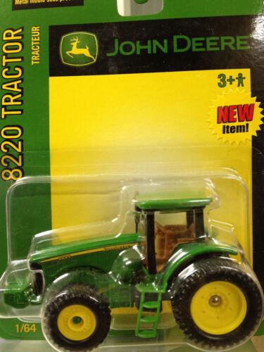 1/64 ERTL JOHN DEERE 8220 4WD TRACTOR