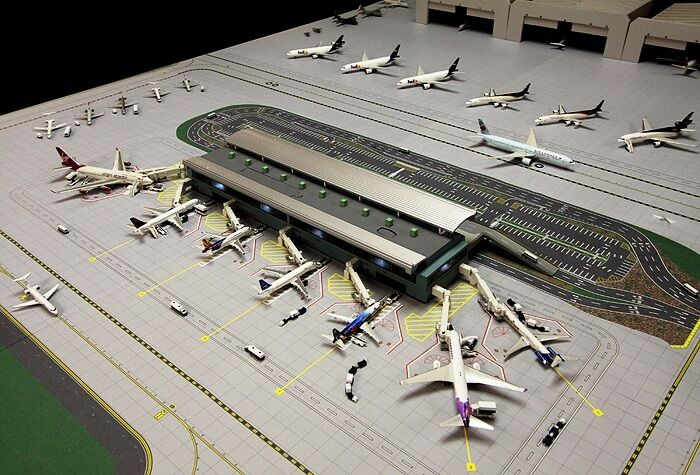 GEMINIJETS GJARPTB 1 400 AIRPORT TERMINAL SET INC 7 X AIR BRIDGES, LIGHTING ETC