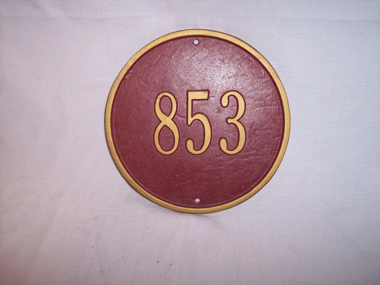 VINTAGE ROUND 8 11 16   CAST METAL rot & Gold   853 ADDRESS NUMBER SIGN