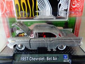 M65-M2-MACHINES-1-64-Auto-Dreams-1957-CHEVROLET-BEL-AIR-GRAY-2008-Christmas-Edi
