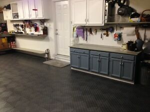 ROYAL-BLUE-Diamond-Garage-Floor-Tile-GarageTrac-MADE-IN-THE-USA