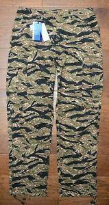 Lacoste LIVE HH3864 $155 Men's Camouflage Print Cotton Cargo Pants W33 EU 42
