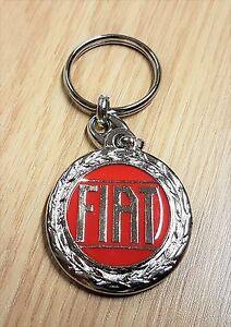 Automobilia Fiat Schlüsselanhänger Logo Rot Glasiert 70er Jahre Schlüsselanhänger Maße Emblem 36mm