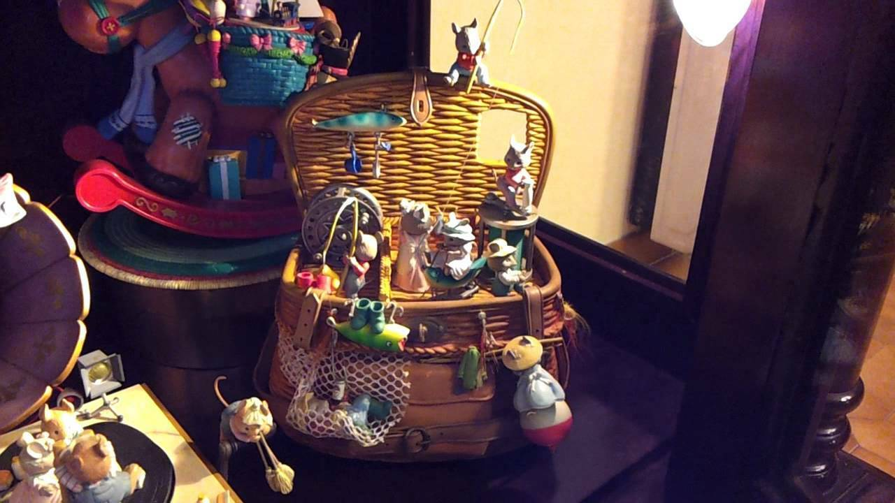 Ultra RARE Enesco GONE FISHING Multi-Action Mice Fishing Basket Music Box MIB