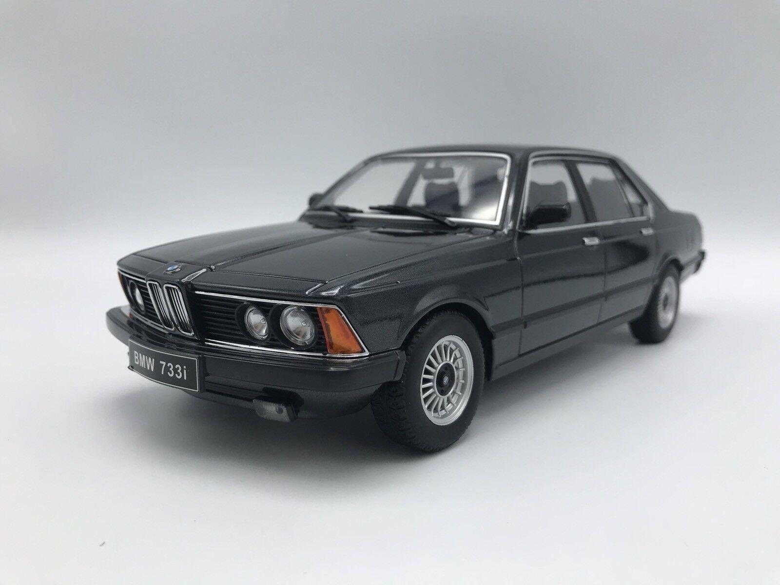BMW 733i (E23) 1977 - metallic-black - 1 18 KK-Scale