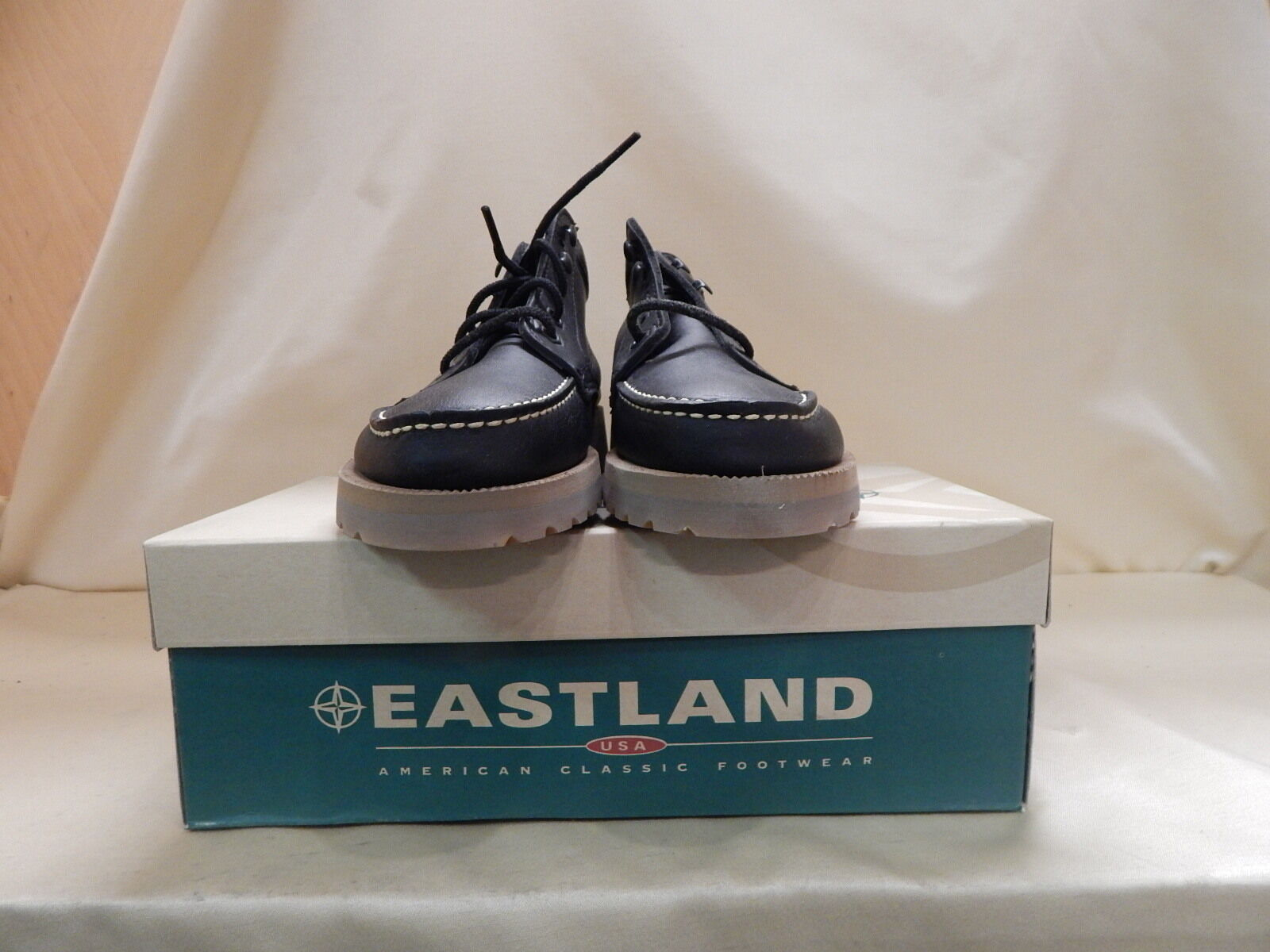 Eastland  Brooklyn Black Pull-ups Size 9M Boots (EA00031)