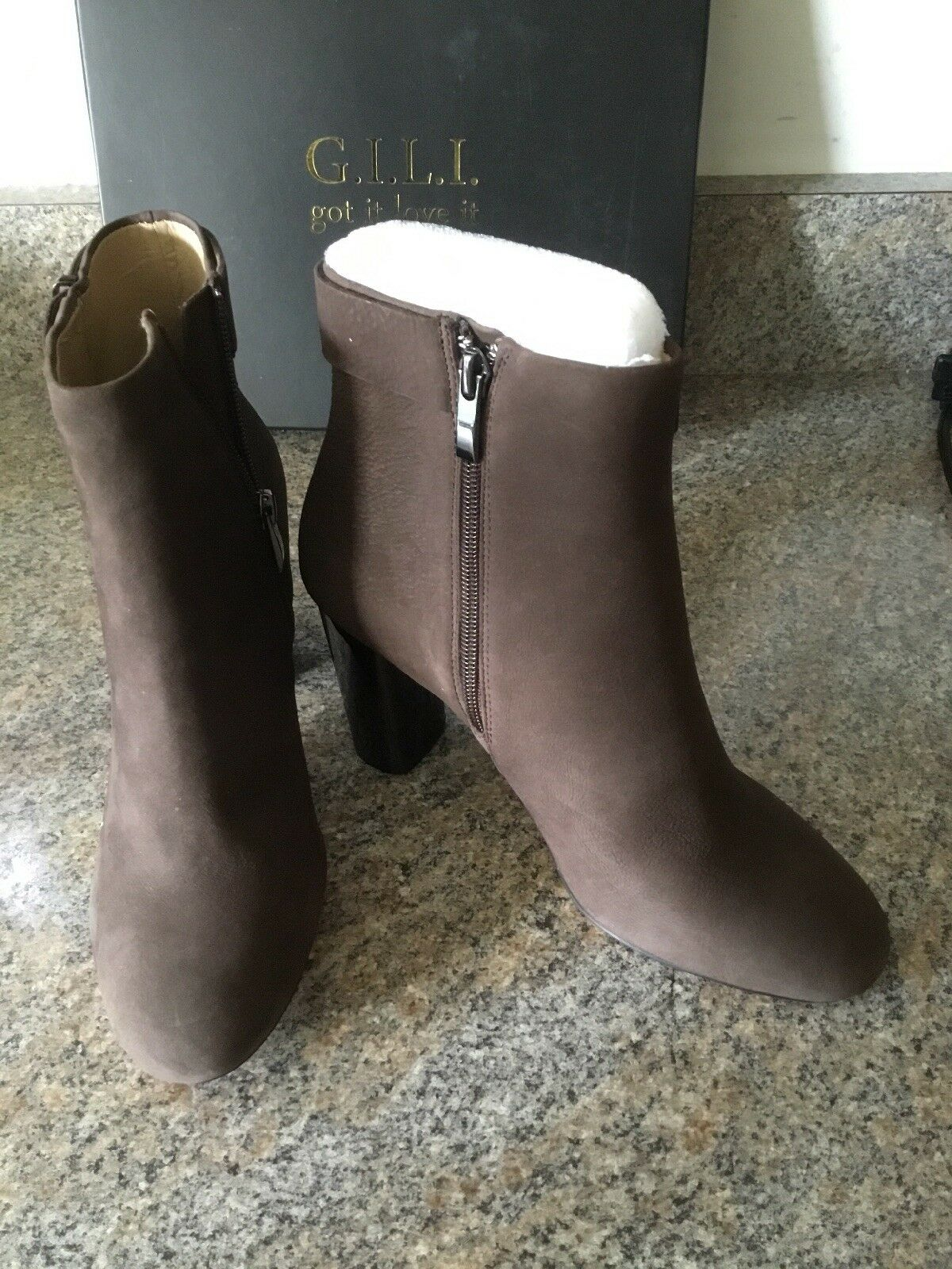 G.I.L.I.  LADIES LEATHER BLOCK HEEL BROWN ANKLE BOOT