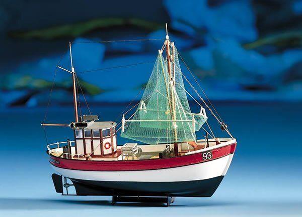 Billing Boats Billing Boats Rainbow Shrimp Cutter (B201)