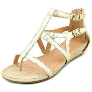 a2a9c857ce10 NEW Women s Light Gold KENNETH COLE REACTION Gladiator Sandals Size ...