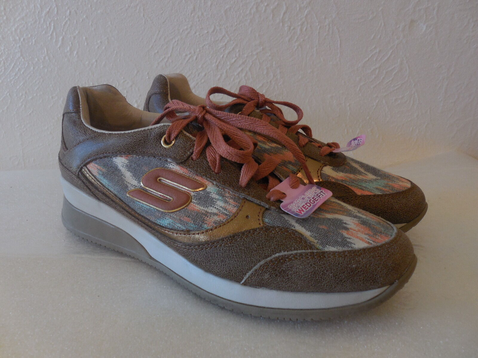 New Sz. 6 Skechers-BROWN-Women-Shoes - WEDGE-FIT-VITA-VIVERE--Sneaker