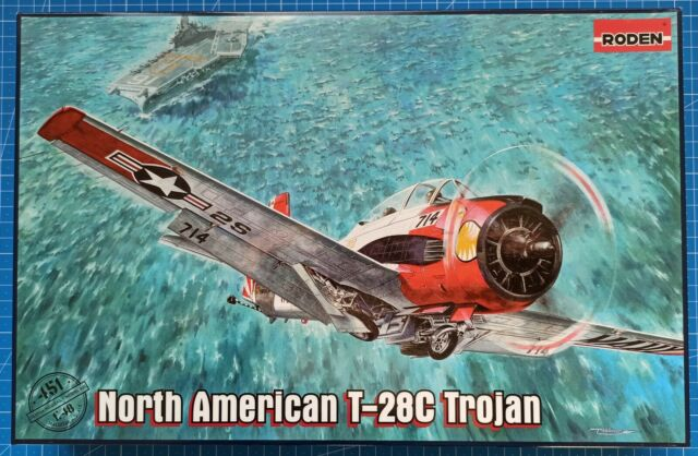 North American T-28D US airplane 1950-1957 plastic model kit Roden 450-1//48