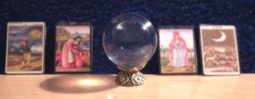1//12 Dolls House miniature Crystal Ball /& Tarot Cards Witch Table Halloween LGW