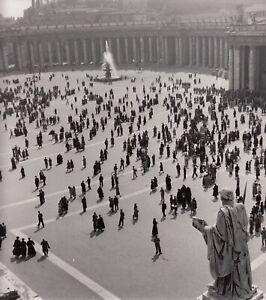 VATICAN-PHOTOGRAPHIE-MAGNUM-Circa-1952