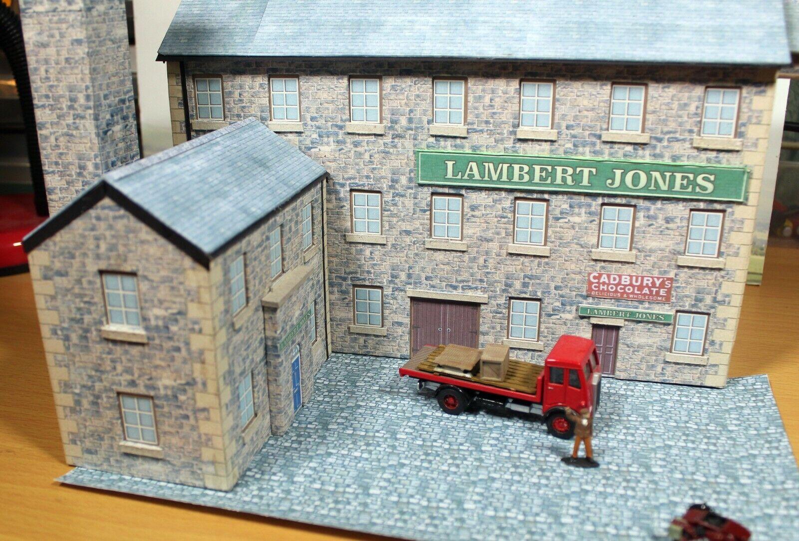 Stone built factory or warehouse, two costruziones, 00 modellololo railway costruziones