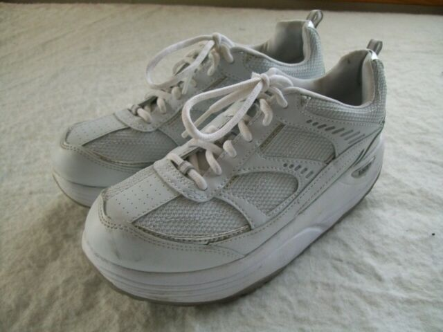 Danskin Now White with blue accent Sneakers Walking Shoes size 7.5 NEW