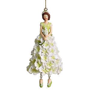 Blumenmaedchen-Fee-Deko-Figur-Elfe-Flieder-weiss-haengend