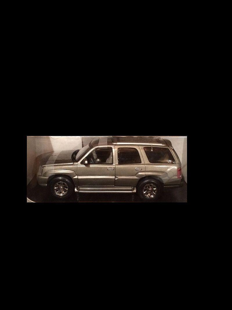 2002 Cadillac Escalade Titanio Plata 1 18 Anson 30392