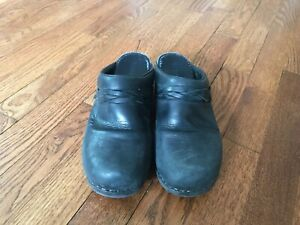 Women-s-LL-Bean-Black-Leather-Slip-On-Mules-Size-40