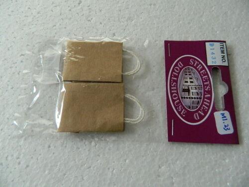 M1.23 escala 1//12th Casa De Muñecas dos bolsas de papel