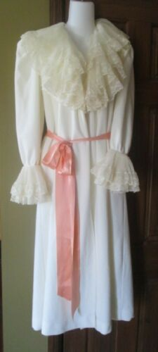 Vintage Vanity Fair Ivory Plush Robe House Coat Ru