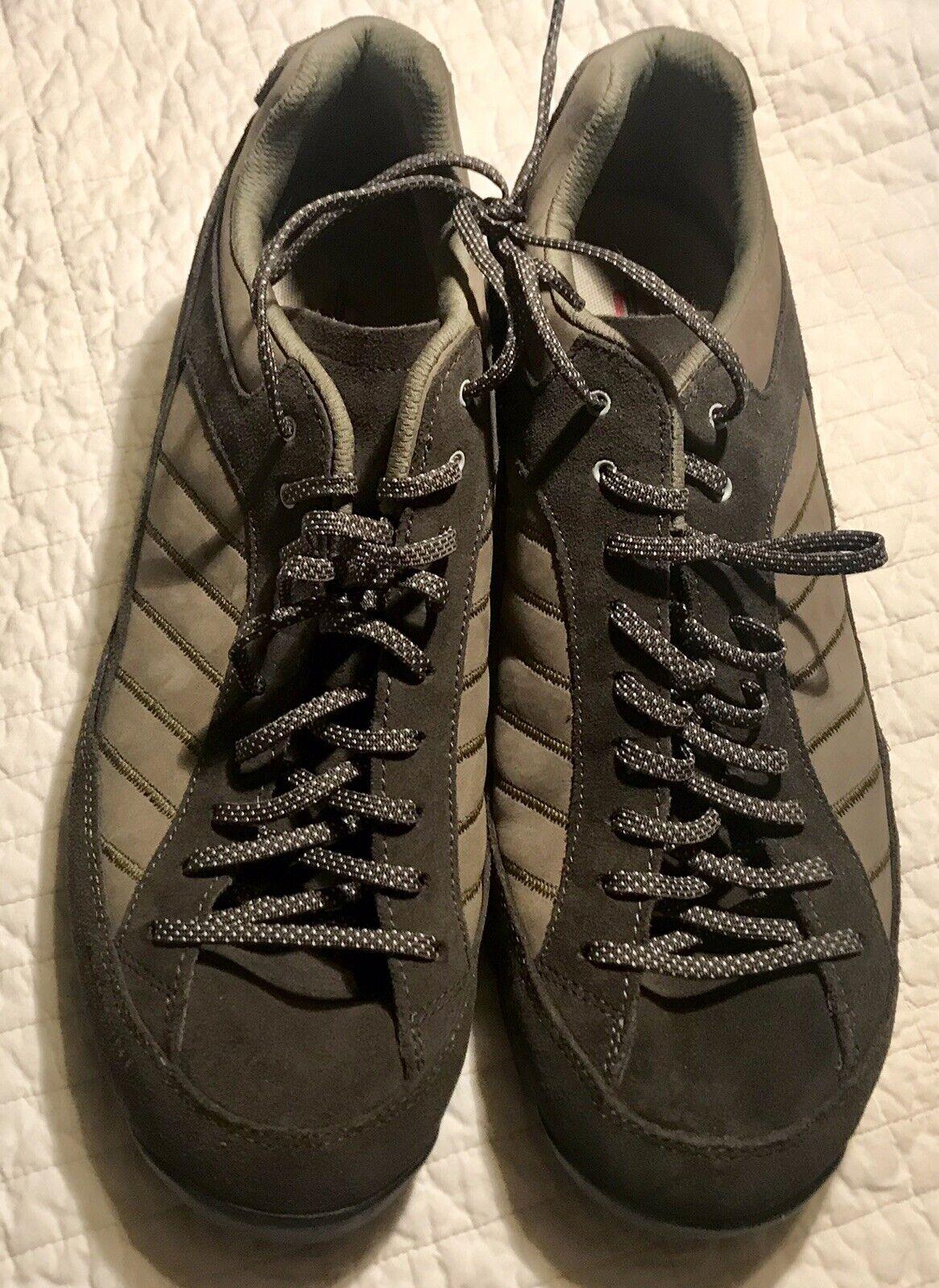 NWOB Garmont Men's Low-rise Suede Vibram Sole Hiking shoes- 13