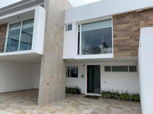 Casa Nueva en Venta dentro de Privada