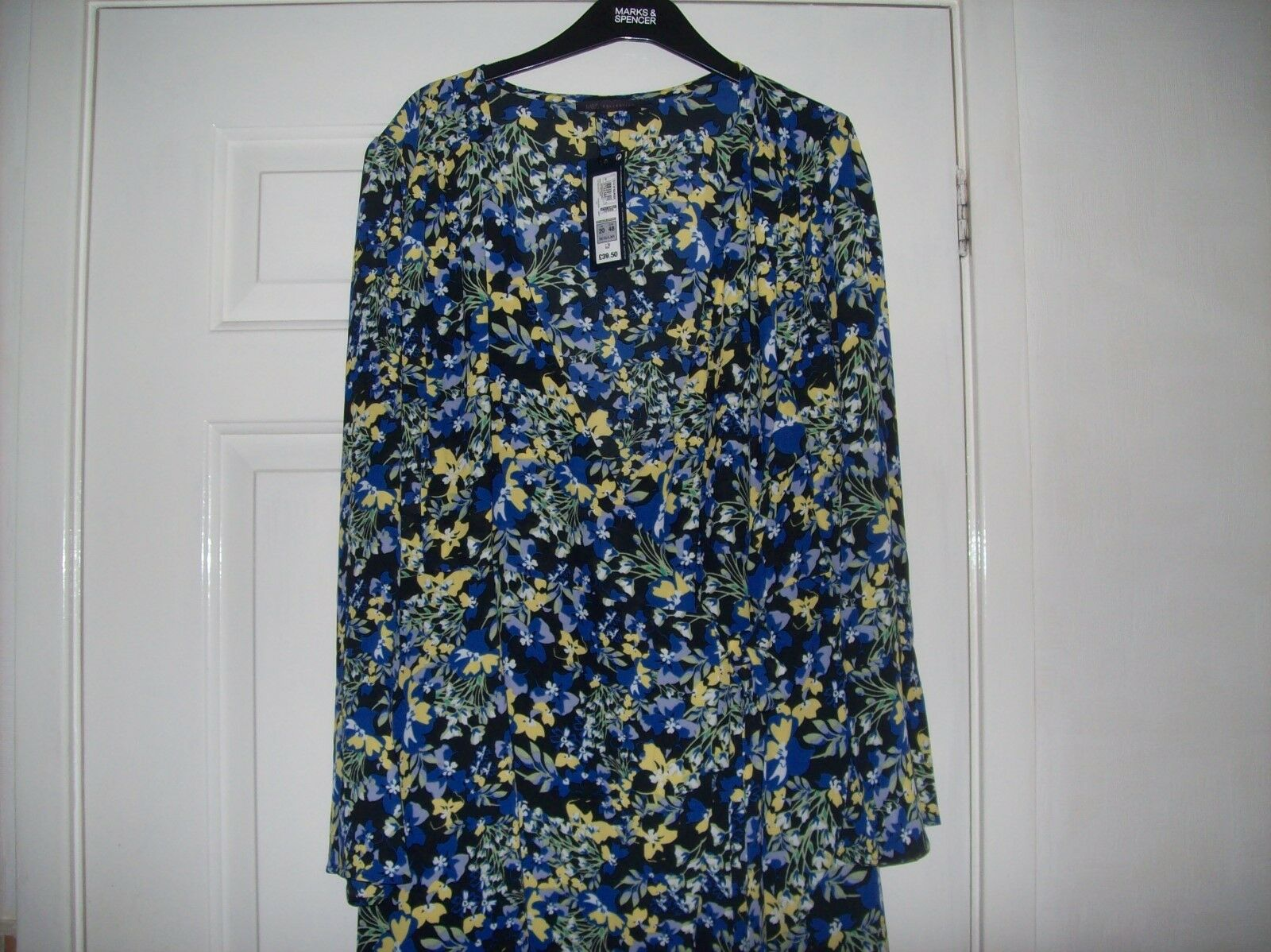 GORGEOUS DRESS FROM MARKS & SPENCERS.SIZE 16..REGULAR..BNWT