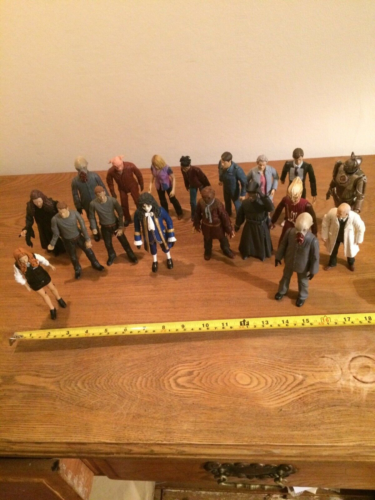 Dr Who Figures Bundle from 2004-2006.Used and in good condition.18 figures total
