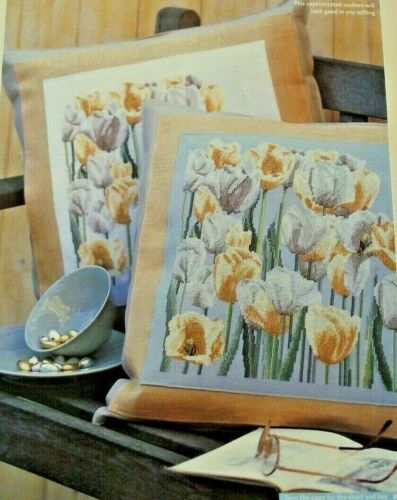 Campo de la primavera flores de tulipán gloriosa Sampler puntada cruzada//Cojín Gráfico