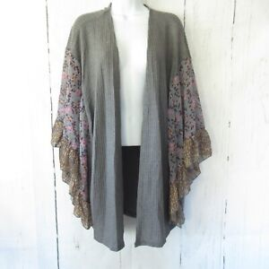 New-Umgee-Kimono-Cardigan-S-M-Gray-Waffle-Knit-Floral-Ruffle-Bell-Sleeve-Open
