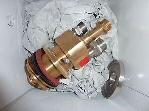 DORNBRACHT-34525970-06-Wannen-Thermostat-Square-chrom-o-Griff-Villeroy-Boch
