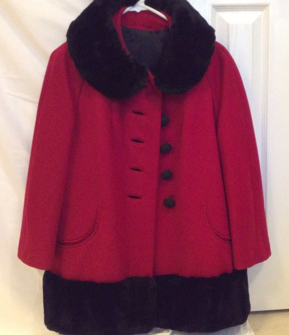 Women's Red Wool Winter Holiday Coat Faux Fur Trim Three-Quarter Sleeves Size 8