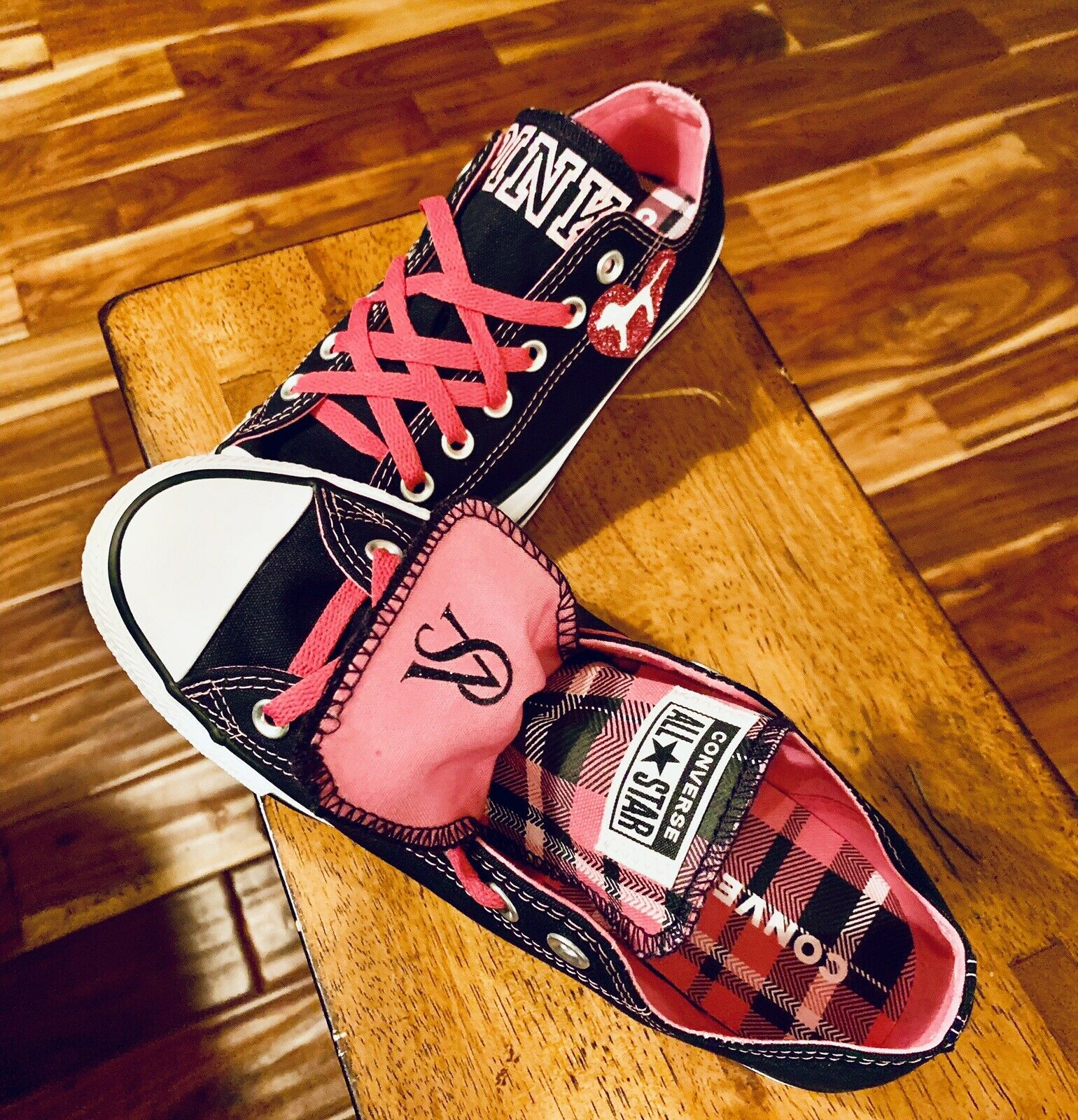 Converse All Star Chuck Taylor Women's Victoria's Secret Pink shoes Size 10