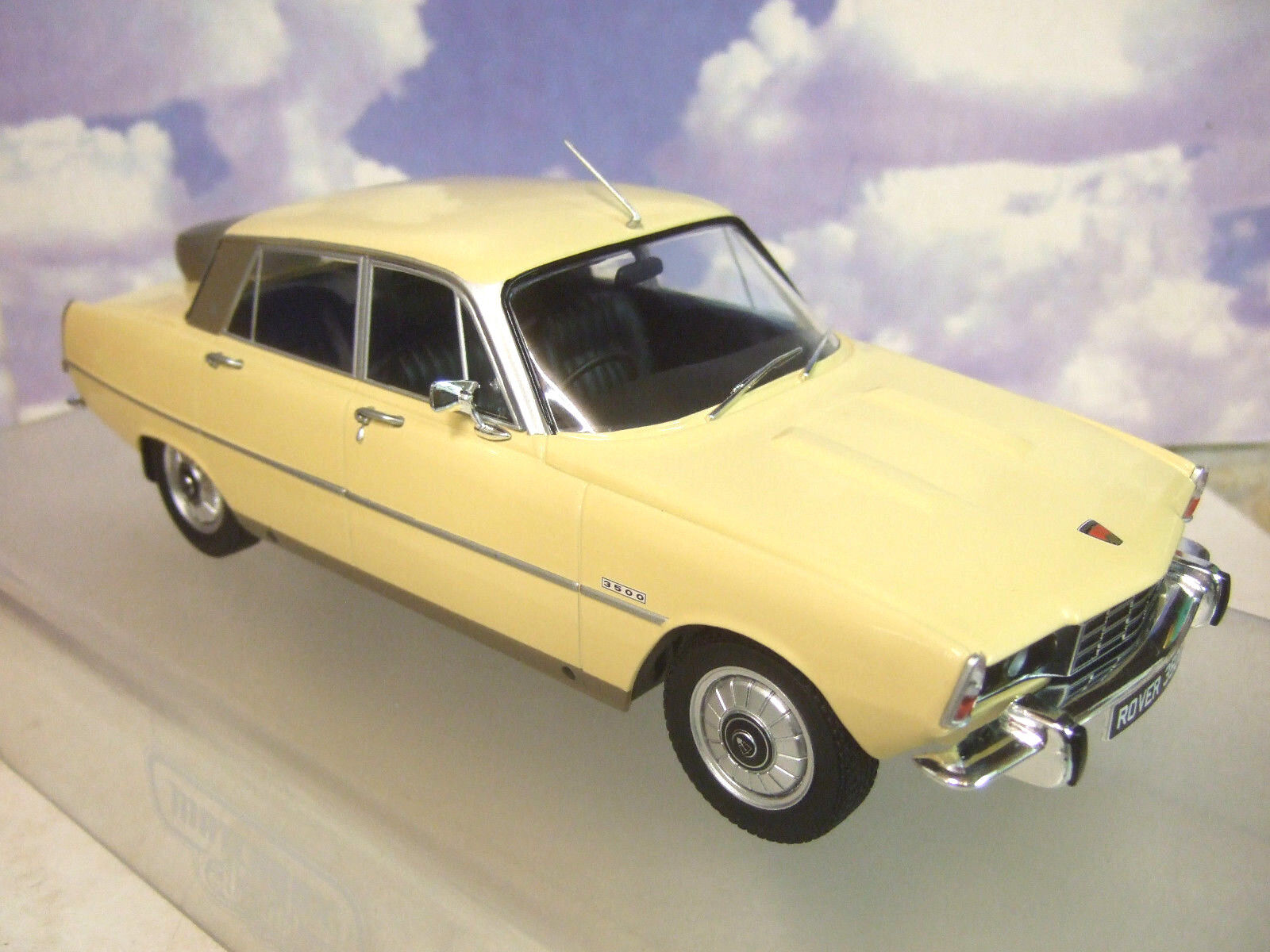 MCG MODELS 1 18 DIECAST 1974 ROVER P6B 3500 V8 DARK YELLOW SPARE WHEEL ON BOOT
