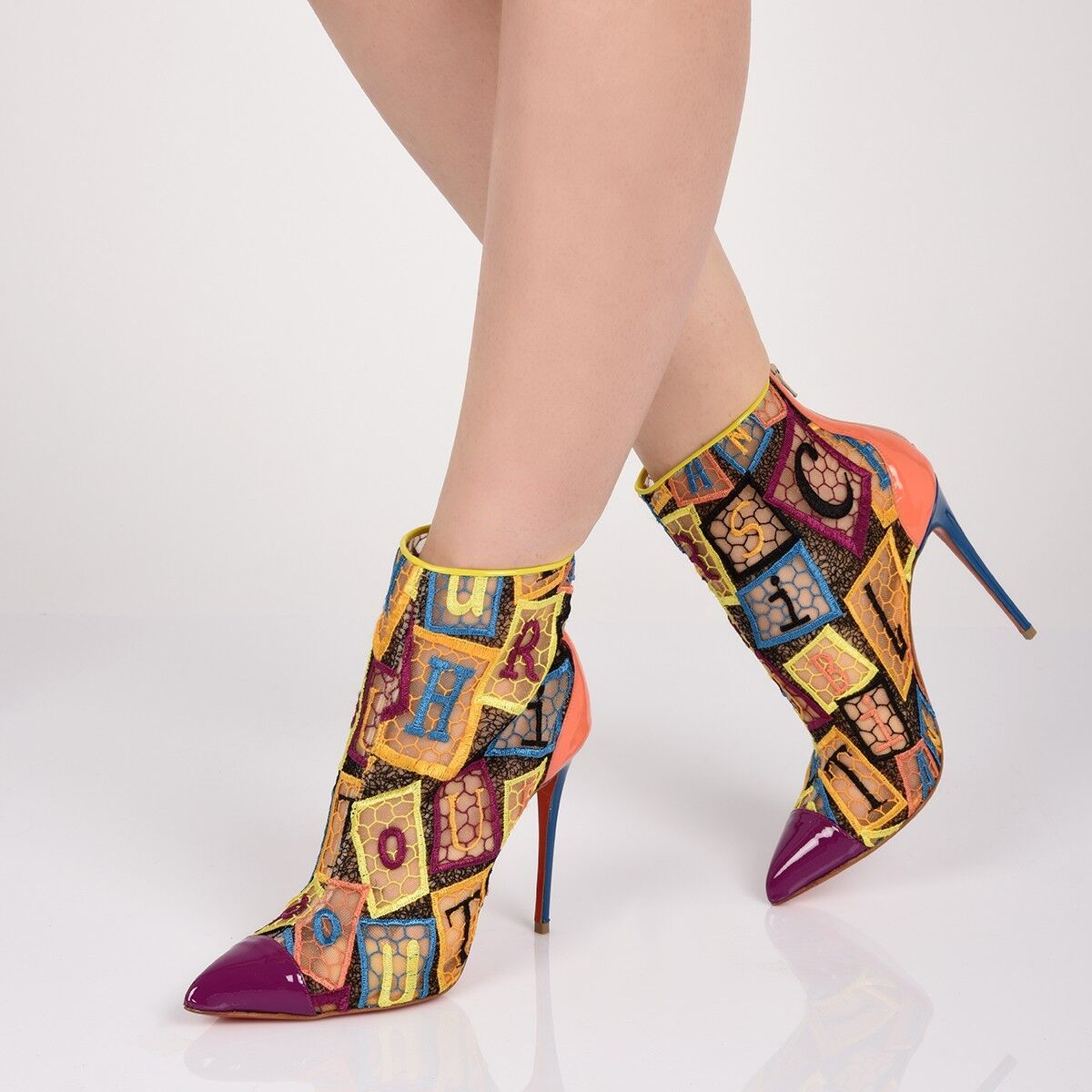 LOUBOUTIN GIPSYBOOTIE 100 MULTICOLOR EMBROIDERED NET ANKLE ZIP BOOTS PUMPS 40