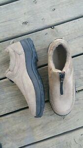 Like-New-L-L-Bean-Tan-Nubuck-Leather-Fleece-Lined-Womens-9M-Zip-Top-Slip-on