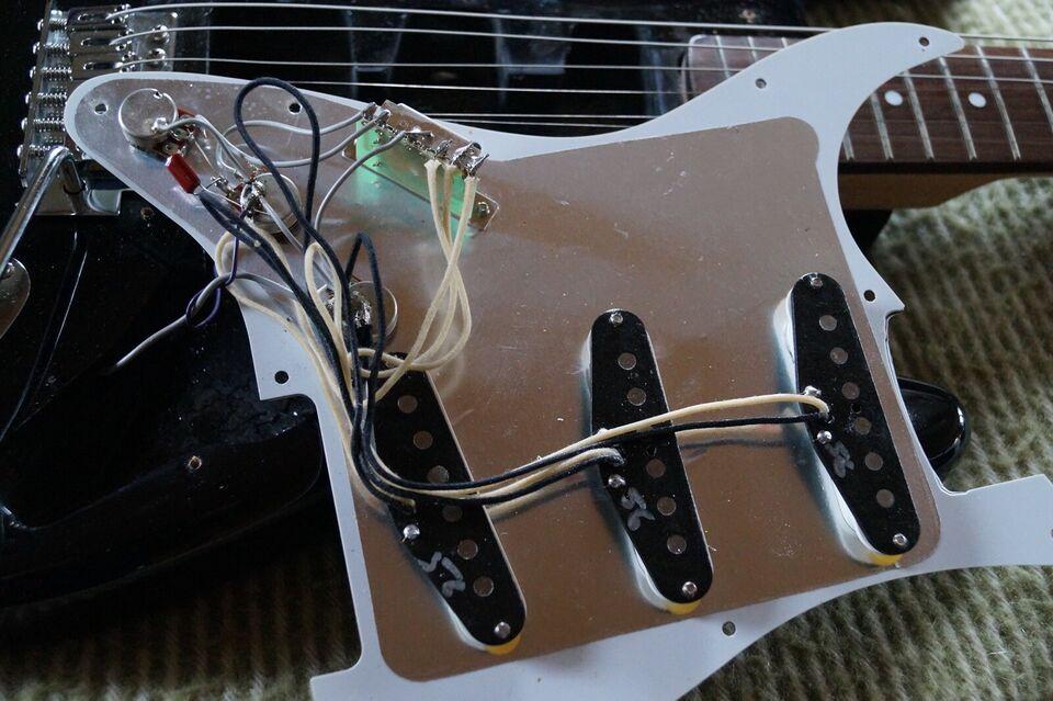 Elguitar, Fender (Mex.) MN2 Søndagstilbud