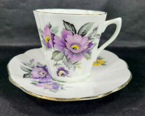 Vintage-Crown-Bone-China-Made-in-England-Tea-Cup-amp-Saucer-Purple-Gold-Rim