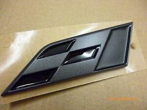 NEW GENUINE SEAT CUPRA BLACK FLAG GRILLE BADGE  6J9853670A