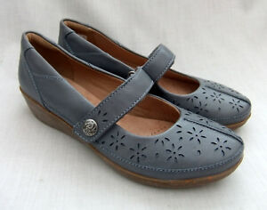 317518b951f06 Image is loading NEW-CLARKS-EVERLAY-BAI-WOMENS-BLUE-LEATHER-SHOES