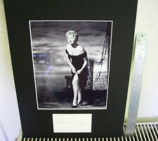 "SHELLEY WINTERS ""ALFIE"" BEAUTIFUL LEGGY SEXY SIGNED AUTOGRAPH  DISPLAY UACC"